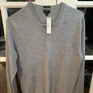 J.crew grey V neck sweater size medium slim fit